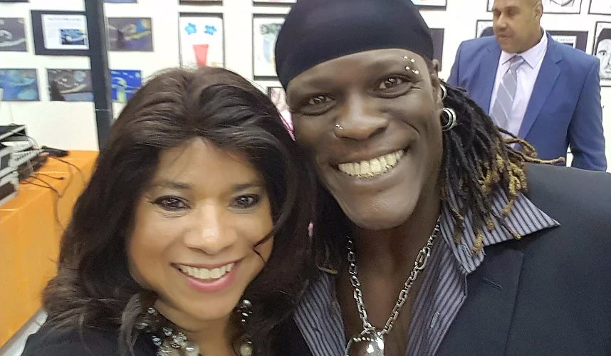 """OMG I Met A WWE Superstar – Ron """"The Truth"""" Killings"""